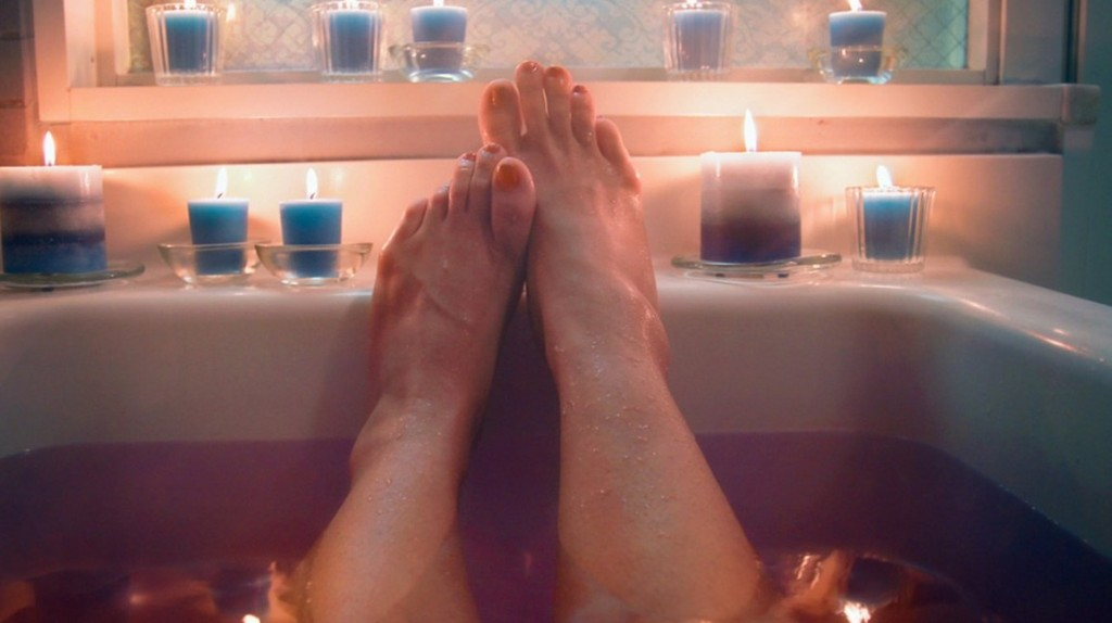 bathtub_feet-1296x728-Header
